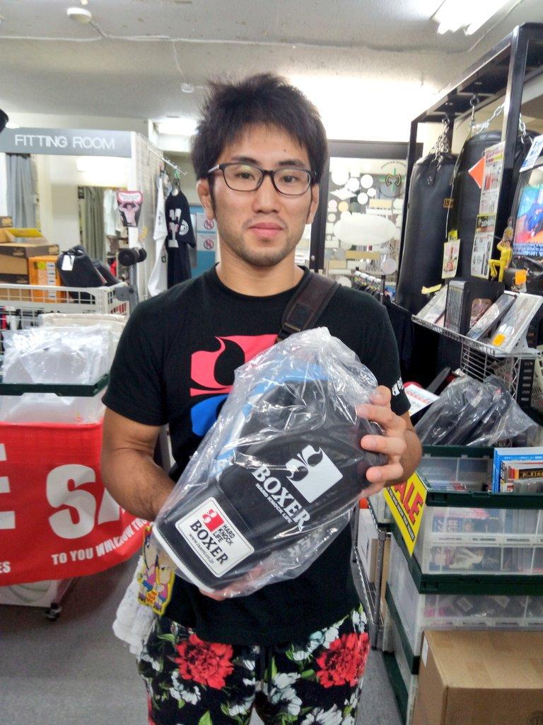 本日はイサミ様より、グローブを提供して戴きました! ガッツリ使い込みます!いつもありがとうございます!  #東京イサミ  #ISAMI