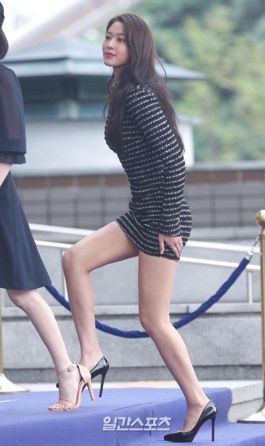 Seolhyun In That Dress Allkpop Forums