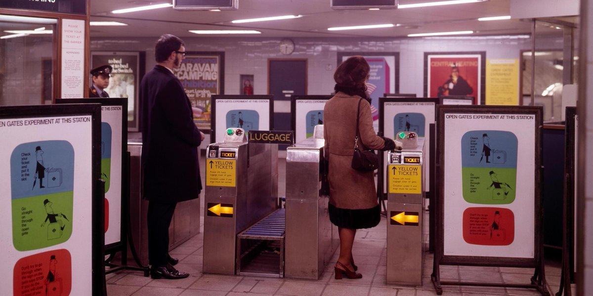 Dl2J2ltX4AAo2oU - The Victoria Line's really big 50th birthday! #2