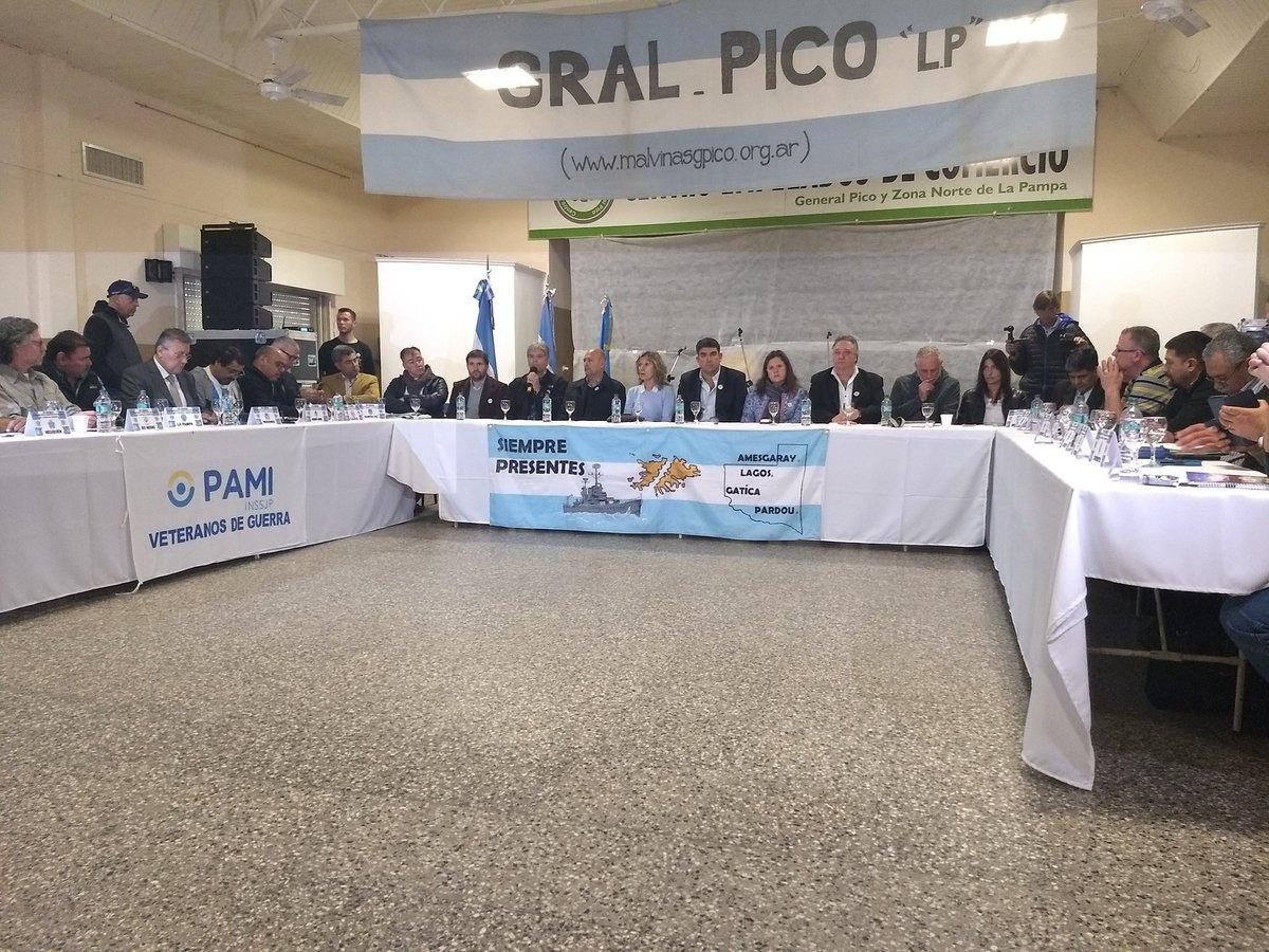 General Pico | Bensusán en Congreso de ex combatientes de Malvinas en General Pico