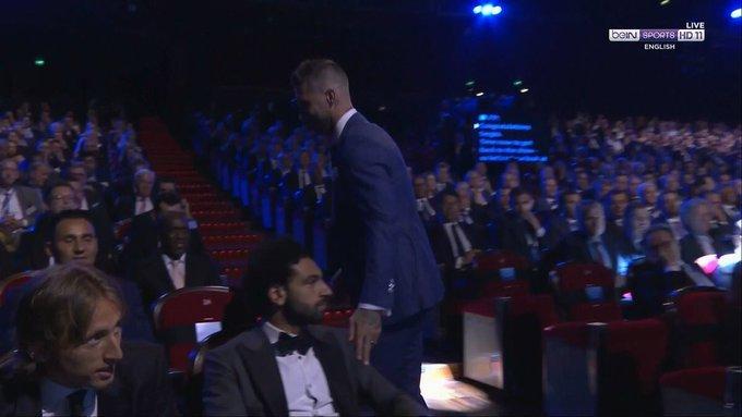 Ramos chủ động làm lành, Salah lặng thinh làm ngơ