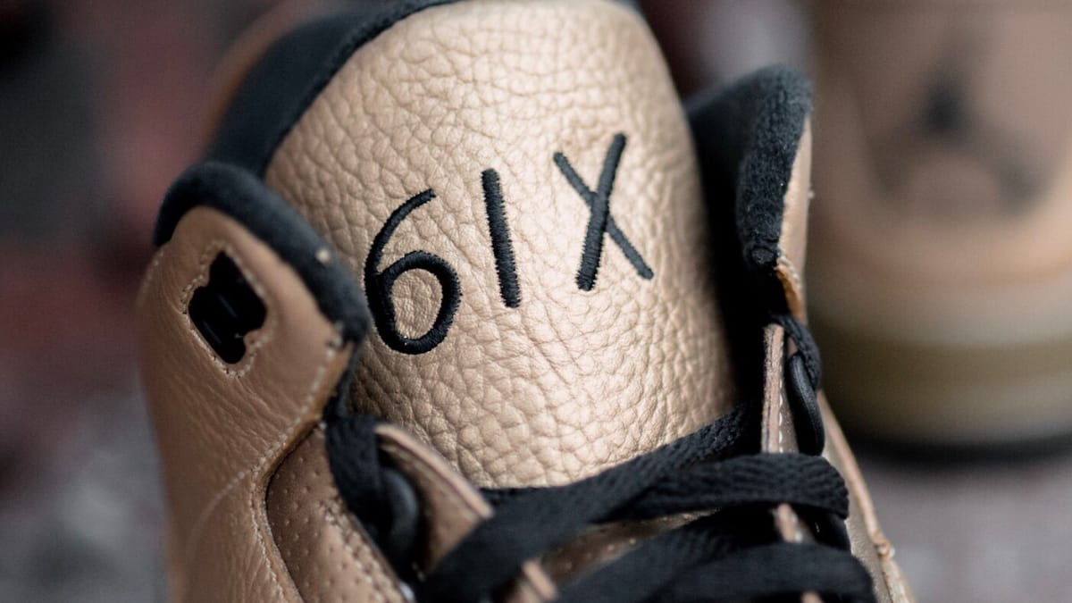 7cf32890362367 here s a detailed look at drake s gold ovo x jordan 3s
