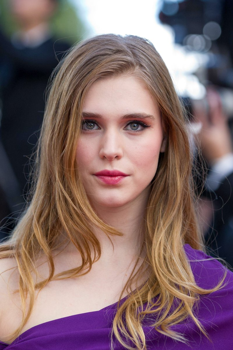 Twitter Gaia Weiss naked (97 photo), Ass, Fappening, Twitter, braless 2006