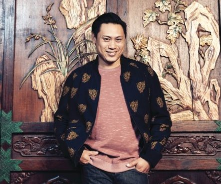 Did @kevinkwanbooks know he would be creating a movie sensation when he penned #CrazyRIchAsians? Did  @jonmchu dream he'd one day be directing it? Here's the inside story on Chu's SF Bay Area childhood & path to Hollywood filmmaking.  https://t.co/6C5bIfjKBs