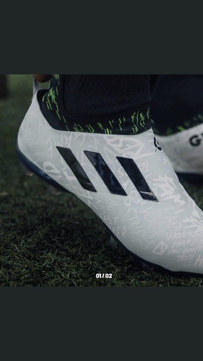 cd697a7ad5c4 off HURRY WHILE THE DISCOUNT LASTS. #GLITCH #glitch18 #Glitch19 #Adidas pic.twitter.com/lEMkzUGodK