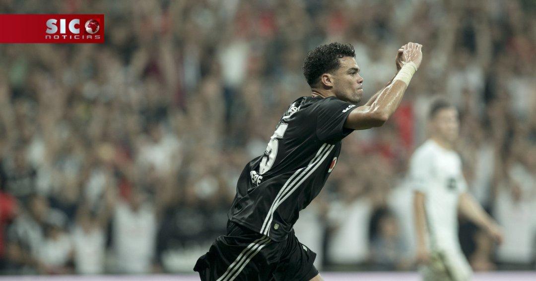 Quaresma a assistir e Pepe a marcar na vitória por 3-0 do Besiktas para 908c43bab5f71
