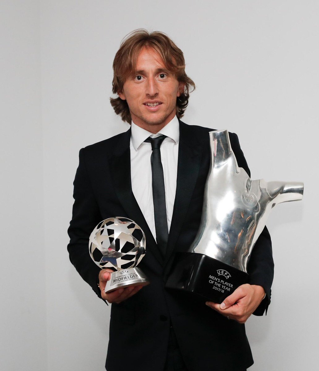 What a year! Thanks Real Madrid, Croatia National team and everybody who helped me to achieve this amazing award 🙏❤️ #UEFAawards