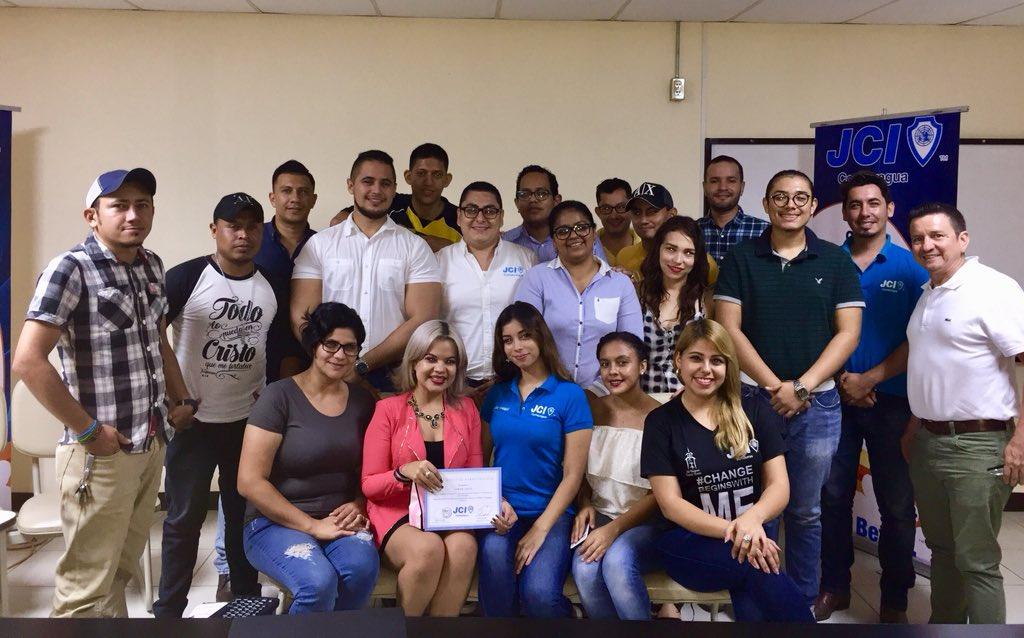 Seminario-taller sobre Debates en JCI Comayagua, impartido por la compañera Jr. Sarah Leiva, muy productivo trabajo #bebetter #thechangebeginwithme #jci #jcicomayagua