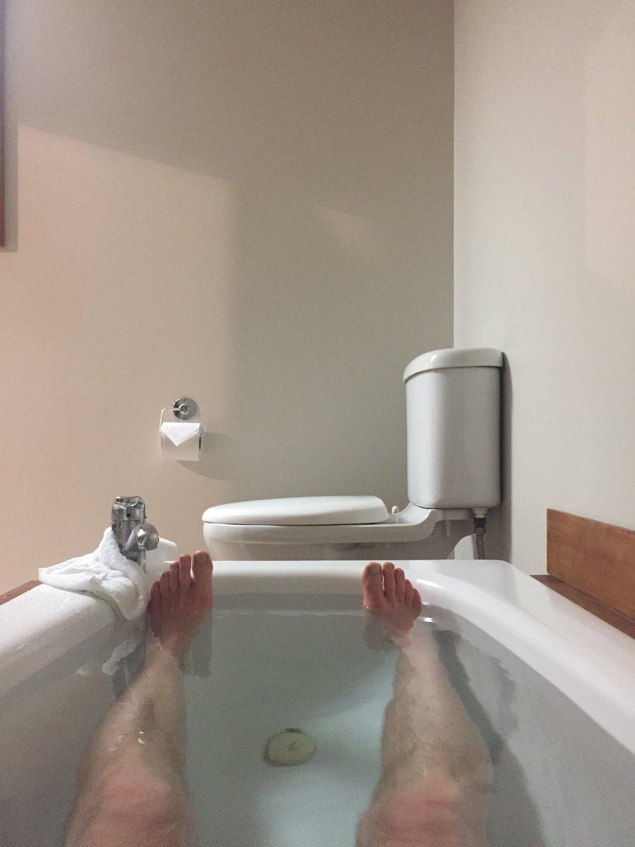Te Radar Twitterren Toilet Placement Fail Why Do Baths