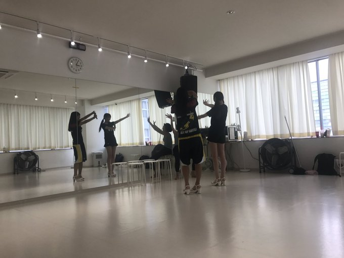 3 pic. #パノガ のお披露目ライブは9/2  ダンスレッスンも大詰めでございます🎙  わかってたけど、めーちゃーめーちゃー可愛い😍です!  ♫好き♡すき♡スキっ♫  皆様 ライブ当日をお楽しみにっ