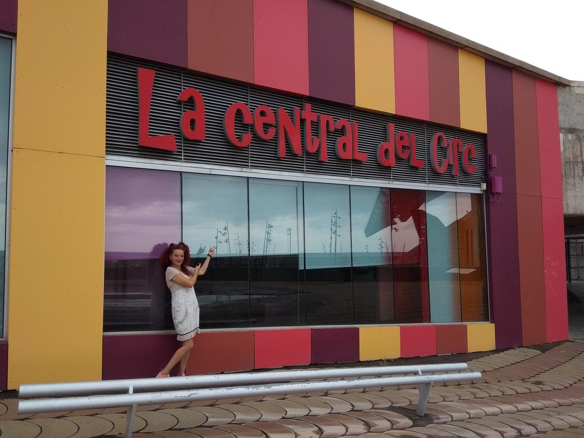 Últim dia d'assajos del nou #VeusQueNoVeus a la @CentraldelCirc Hi hem estat rebé!! El dilluns continuem al @teatreaurora #VeusQueNoVeusEnProcés
