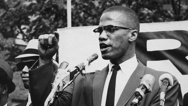 malcolm x and black rage by Malcolm x, theactivist and outspoken public voice of the black muslim faith, challenged the mainstream civil rights movement and the nonviolent pursuit of integration championed by martin luther.