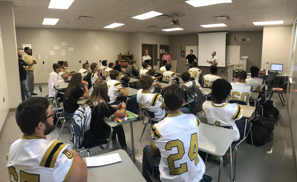 Carlisle Bison Football On Twitter Carlisle Alum Chris Hart And Austin Reed For Talking To Our Young Men And Women About The Type Of Attitude To Take With You On The Field
