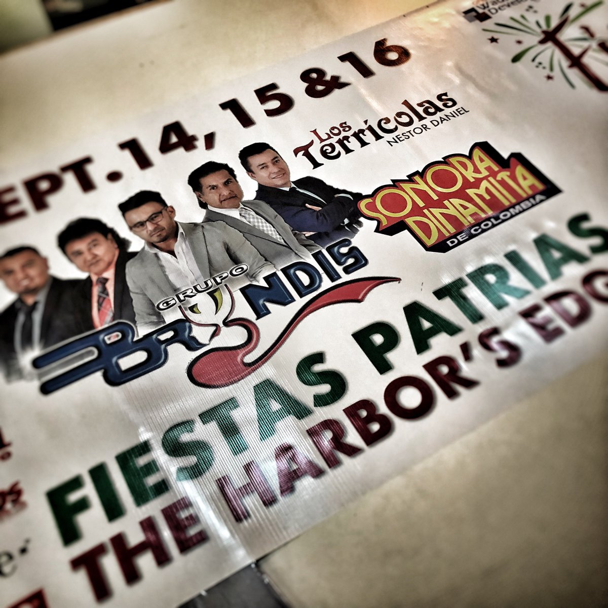 #fiestaFriday!!! Getting these banners ready for the #FiestaPatrias Sept 14-16 at the #WaukeganHarborsEdge. Stop by and check out this line up! Sponsored by #WhiteSox #Univision #queBuena #reflejos #wintrust #tmobile #northshoregas #cfsc #weprintthattoo #banners #signs #gwdcpic.twitter.com/6dveuqp1F7