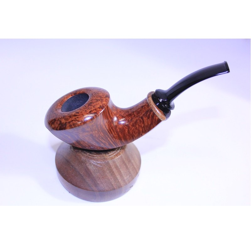 Happy Friday! Get your weekend started properly with a high quality smoking pipe http://pipesandtobaccosmagazine.com/pipestore/