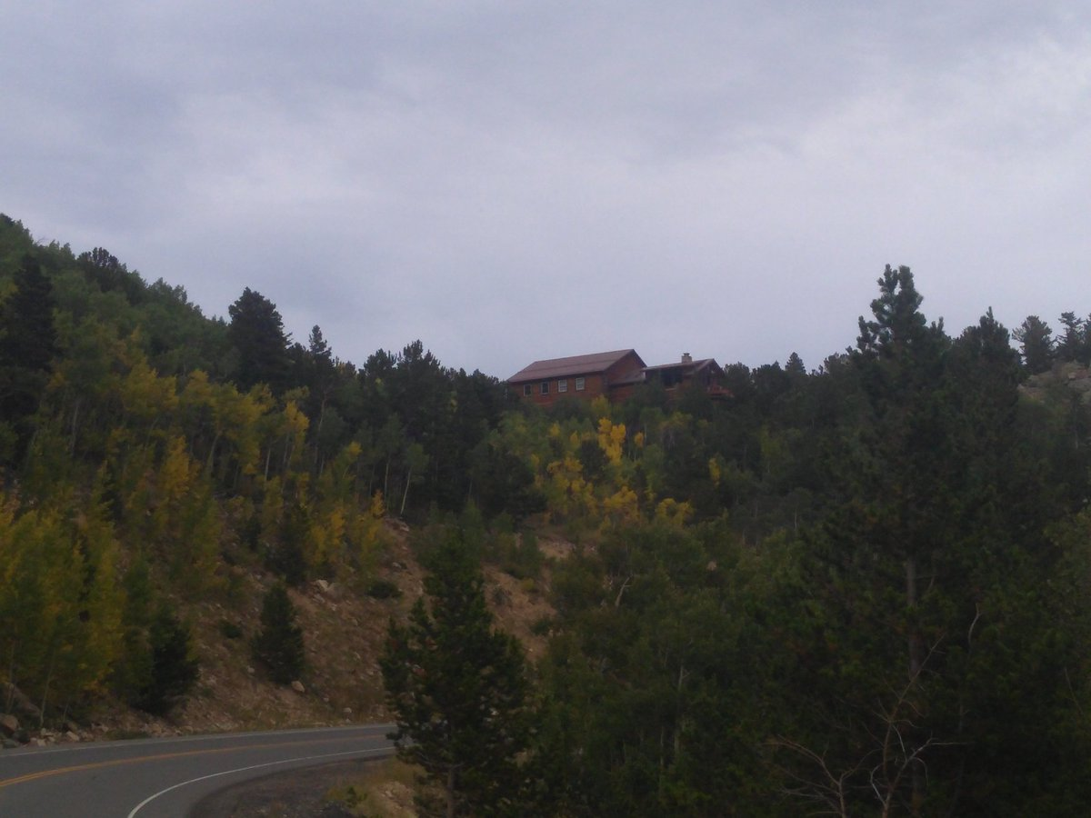 @tcboyle Morning in the Rockies. Fall comes early.