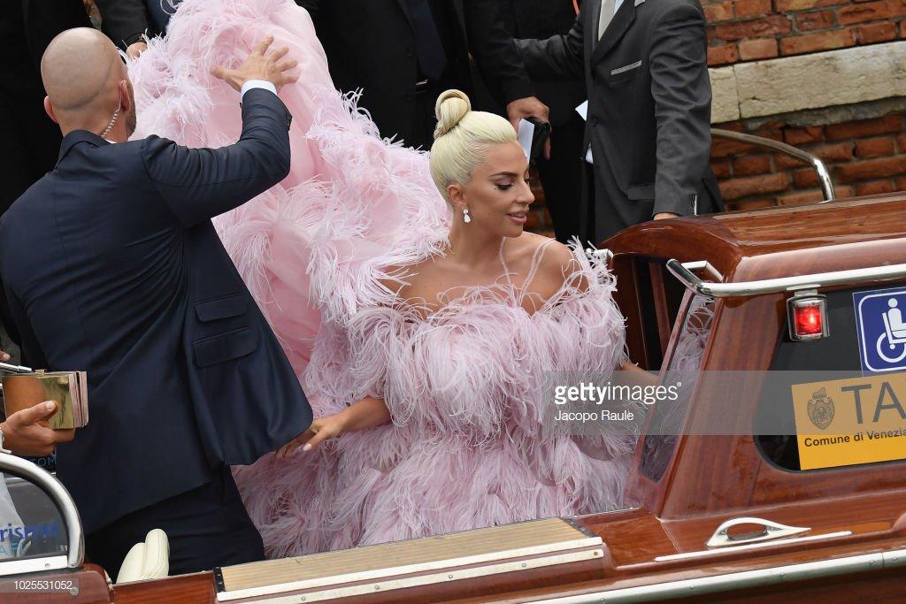 8 - Lady Gaga - Σελίδα 13 Dl8SuVJU4AEke1i?format=jpg&name=medium
