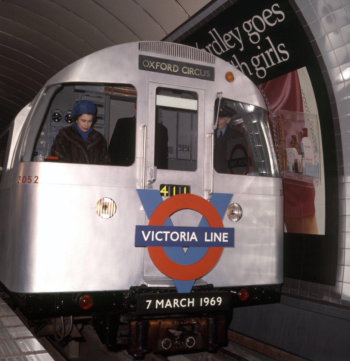 Dl8d5OGW0AANgE ?format=jpg&name=medium - Victoria Line Royal Opening 1969