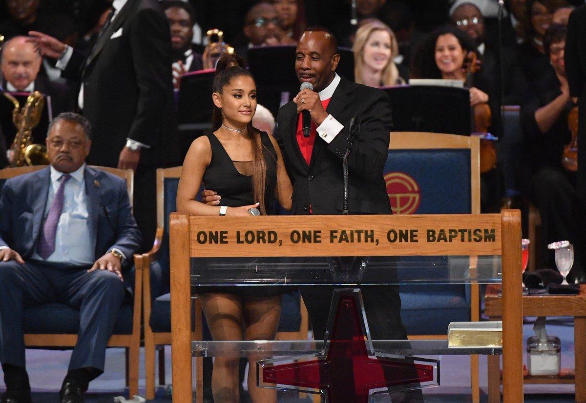 El pastor acusado de acosar a Ariana Grande ofrece disculpas 0eed6361329
