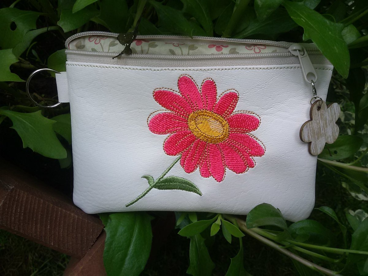 Embroideres Studio On Twitter Bag With Red Flower Free Embroidery