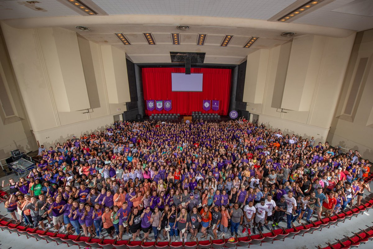 New Student Convocation  Class Photo  President's Picnic   #NSULA22 is ready for the first day of class! <br>http://pic.twitter.com/j83kRthKaO