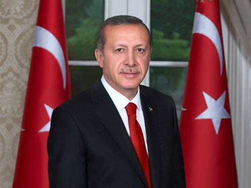 """Cumhurbaşkanı Erdoğan: """"Kurban Bayramının gönüllerimize ferahlık, hanelerimize mutluluk, ülkemize aydınlık getirmesini diliyorum."""" tccb.gov.tr/haberler/410/9…"""