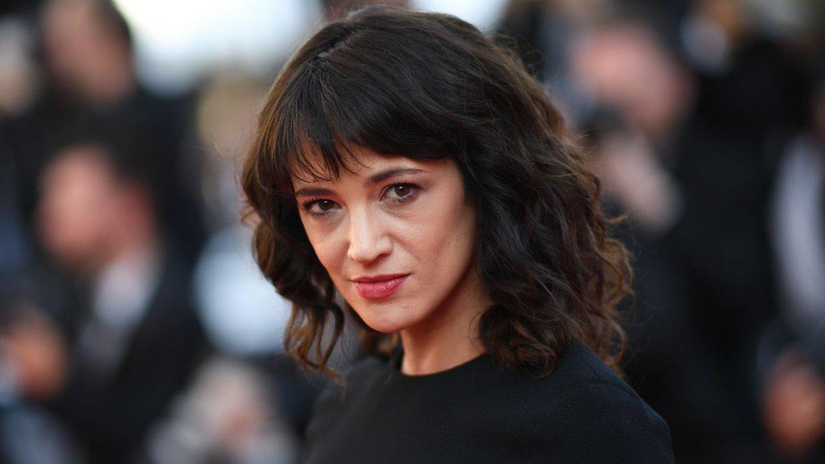 Nyt: Asia Argento ha risarcito attore Usa che l'accusa di molestie #AsiaArgento https://t.co/s13hnfIIx9