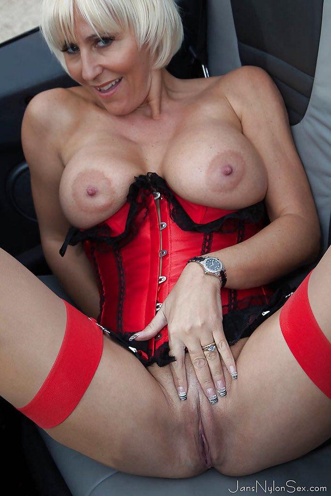 Sexy Mom Jan Burton Slutload 1