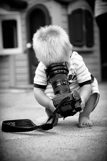 La curiosità si prende tutte le libertà divertendosi a raccontare infinite storie#PensieriSenzaCatene  - Ukustom