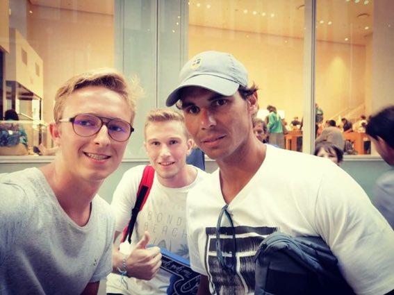 Rafael Nadal - Page 15 DlBjfHpX4AAU1n9