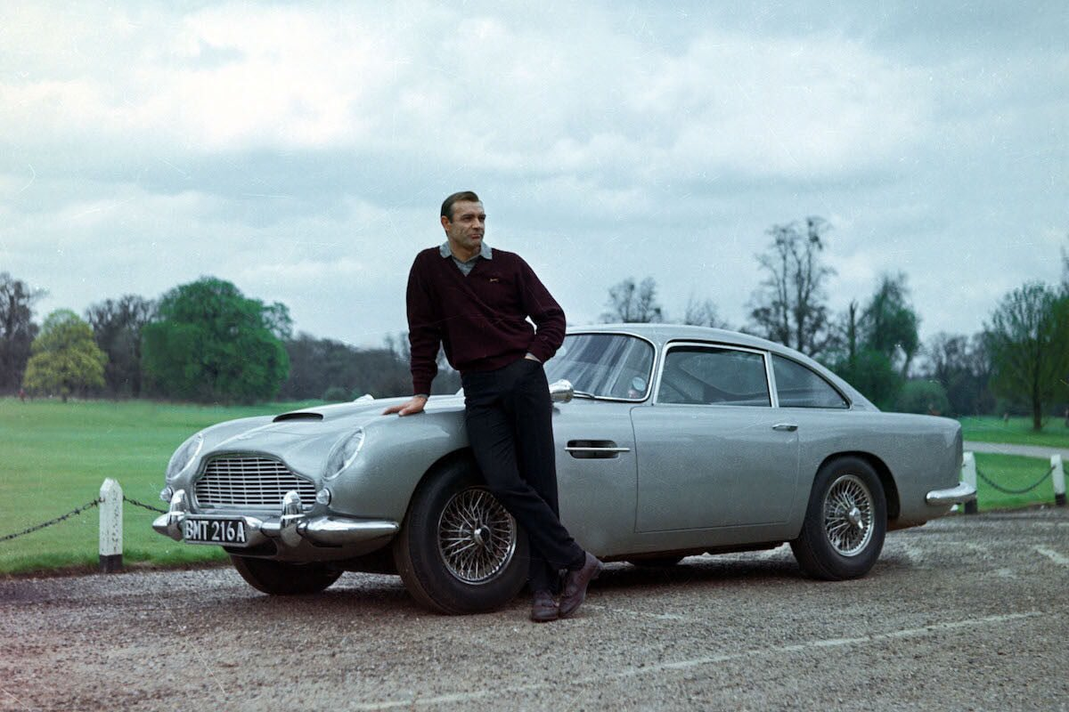 Aston Martin to launch James Bond 'Goldfinger' DB5 continuation model (gadgets included!) - they will be built at the DB5s original home in Newport Pagnell  http:// bit.ly/2Lcxy9E  &nbsp;   #ukmfg #GBmfg<br>http://pic.twitter.com/DNM2oI06zo