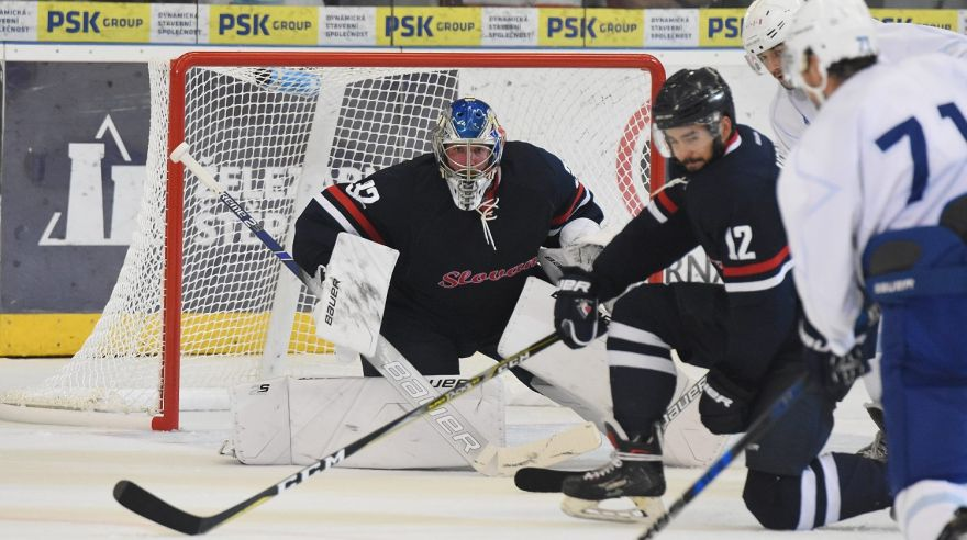 First home game in 18/19 campaign today. #hcslovan against @HCKometa at 17:00pm. #VerniSlovanu @khl_eng @khl #Gameday<br>http://pic.twitter.com/ZzY6AGOmNo
