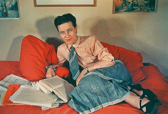 1952 Portrait of Simone de Beauvoir, by photographer Gisèle Freund #womensart
