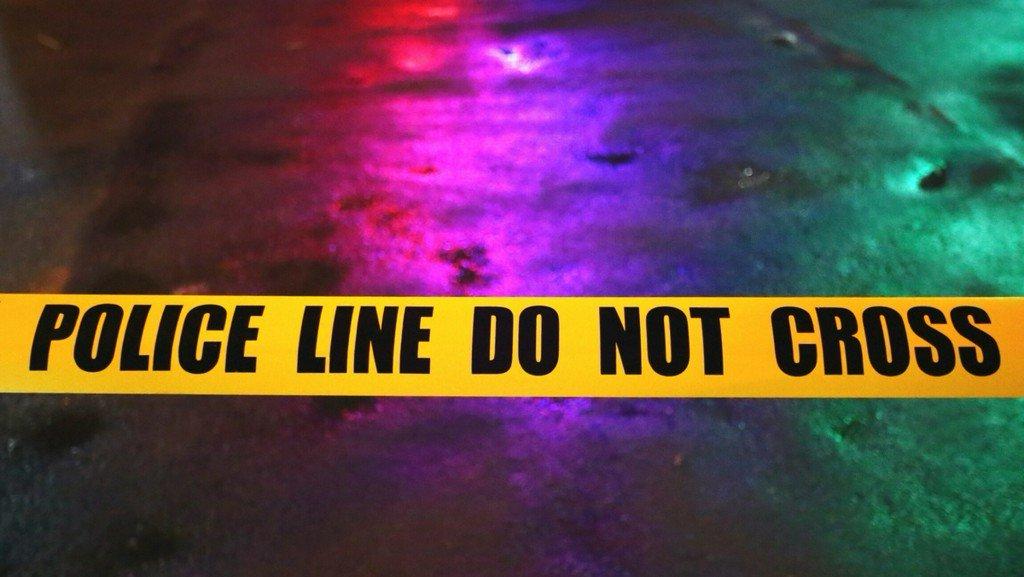 Bar patrons tackle gunman after being held at gunpoint bit.ly/2vUJpEO