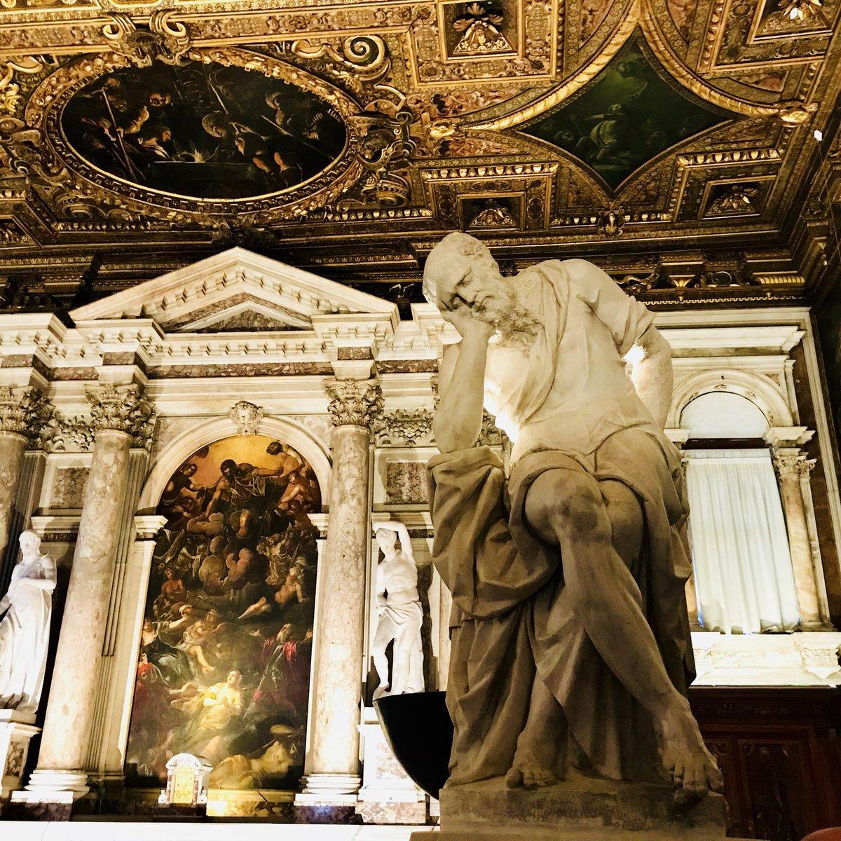 In gita a #Venezia per visitare la #ScuolaGrandediSanRocco per la festa di #SanRocco On a trip to #Venice to visit the Scuola Grande di San Rocco on the feast day of #SaintRoch #arte #art #Italia #Italy #history #storia@TurismoVeneto @VEeLagunaUNESCO  - Ukustom