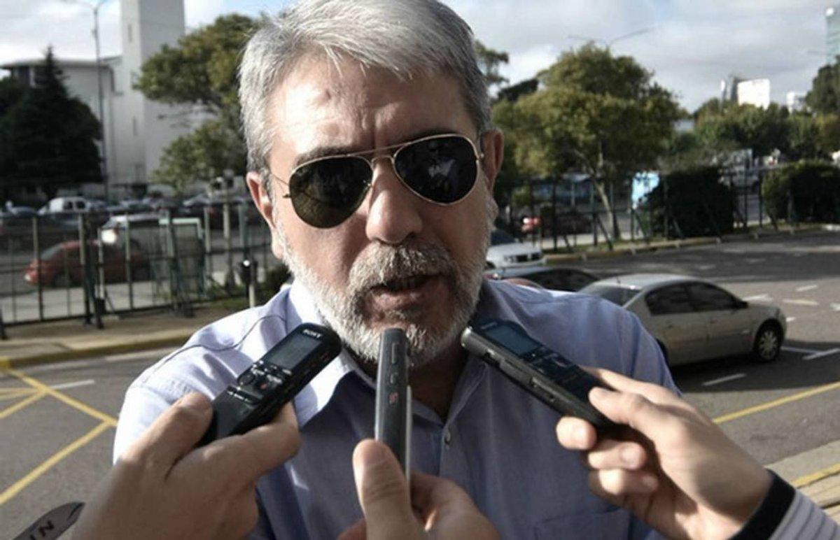 "#CuadernosGate   ""Habla como Monzón pero escribe como García Márquez"""