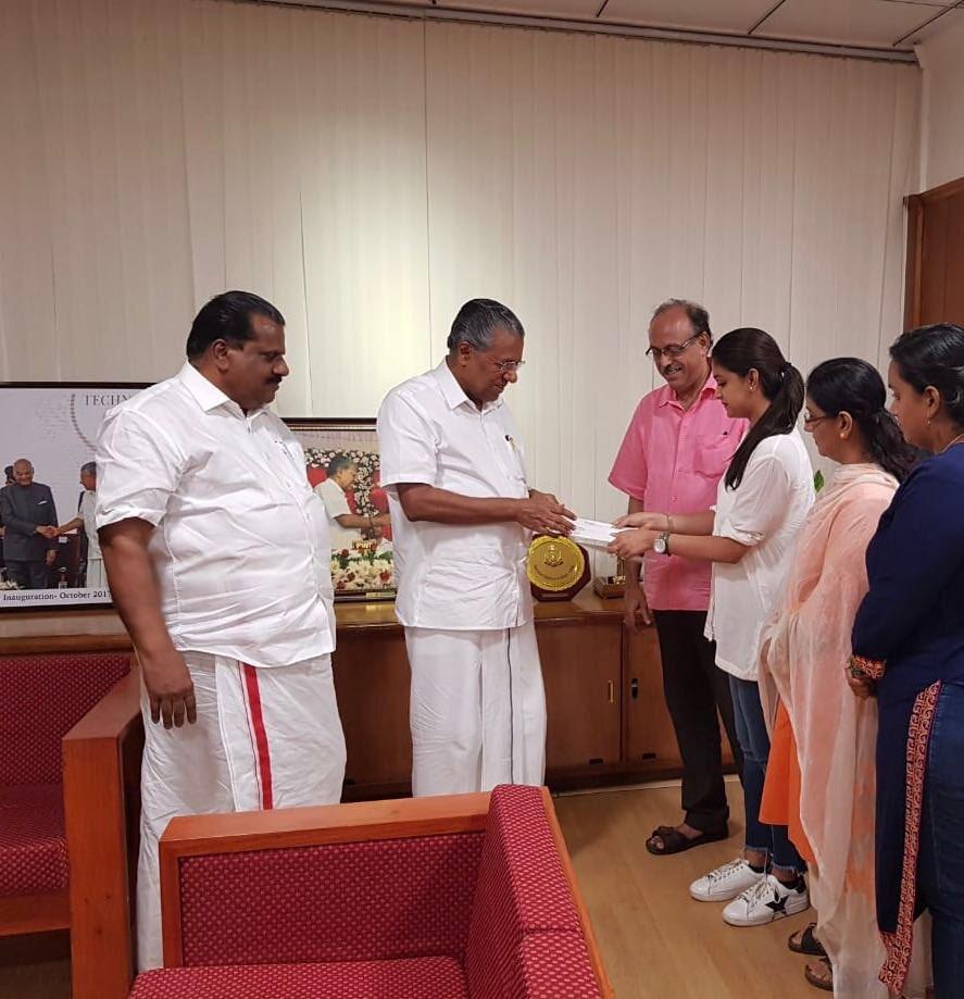 Keerthy Suresh, Kerala CM Pinarayi Vijayan, Kerala Relief fund, Kerala floods