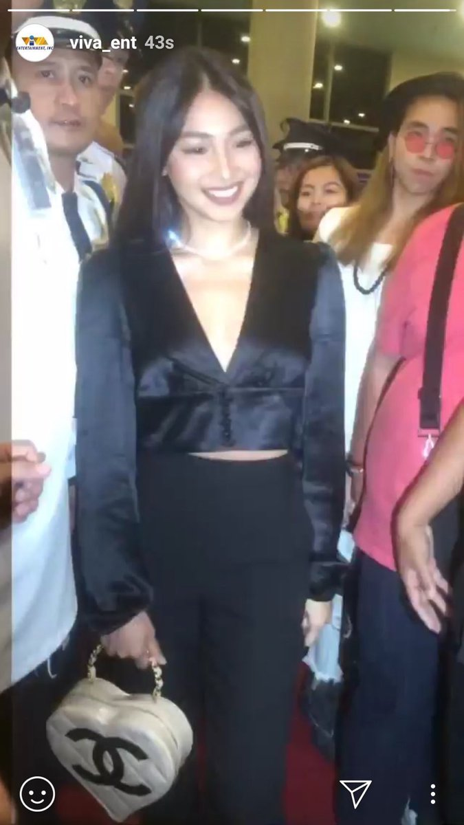 We really missed Nadine. Di masyado obvious. Hehe. I really love her outfit. Matchy with James. Not so loud, just right amount of impact.   #MissGrannyPHPremiereNight<br>http://pic.twitter.com/hsW7AivPSw