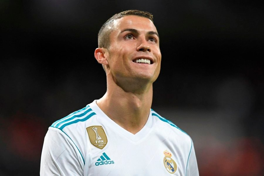 ⚪️ Real Madrids Attendance for the first game of the season: 🏟 48,466 😳 Their lowest La Liga attendance in 9 years. 🤷♂️ The CR7 Effect.