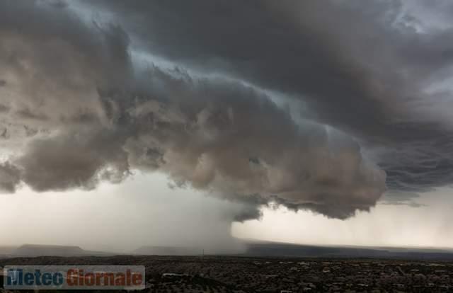 Evoluzione #meteo per domani 21 #agosto . #Italia ancora alle prese con molti #temporali e rischio #nubifragihttp://ow.ly/BVSM30ltexb  - Ukustom