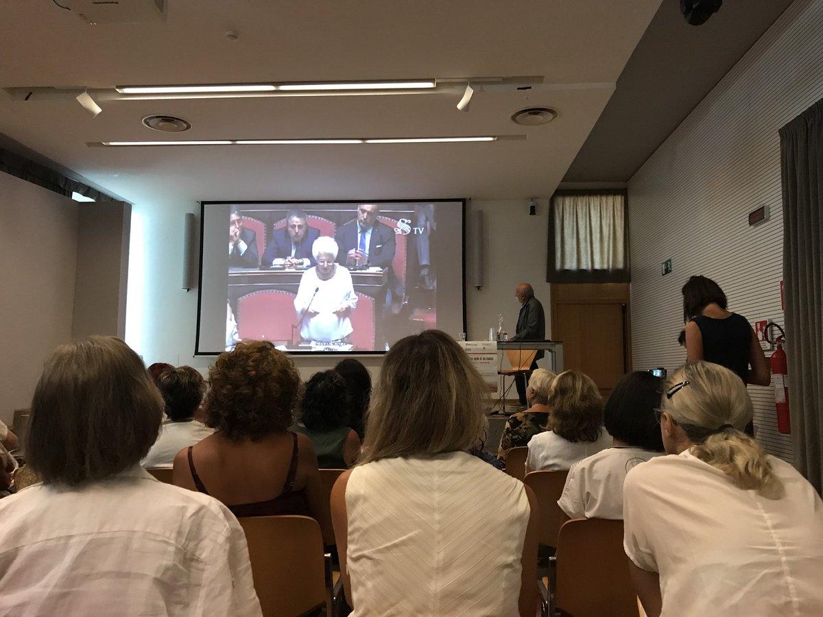 """#summerschool #trenodellamemoria @regionetoscana il discorso della Senatrice Liliana Segre al @SenatoStampa : """"ho vissuto le condizioni di deportata, di richiedente asilo, di sfruttamento del lavoro minorile"""" #pernondimenticare #razzismi di ieri e oggi #Impariamo dalla #storia  - Ukustom"""