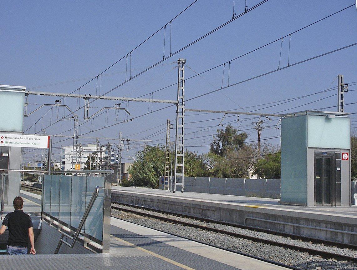 Darrera fase de la instal·lació de nous sistemes de gestió de trànsit de trens: elcastell.org/ca/index/13130…