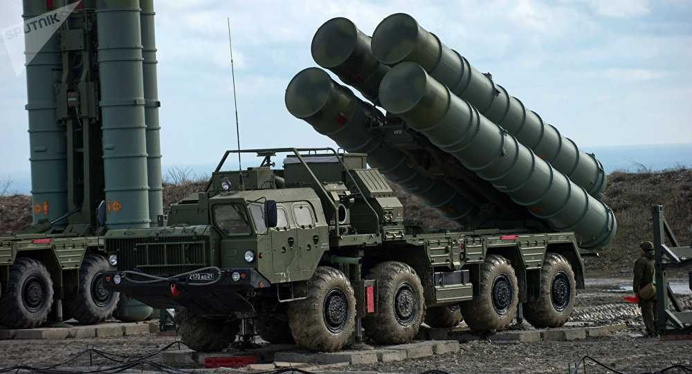 1) S-400 and Project 11356 contract may be signed this October  2) S-400 price is reduced 3) AK-103 if made on Indian soil, can be exported 4) UAE wants BrahMos, after a firm request Moscow &amp; New Delhi will discuss  @sayareakd @Aryanwarlord @7ru7h_1<br>http://pic.twitter.com/BOt5j5ZNFn