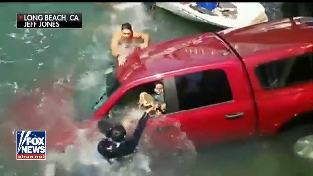 Family rescued from sinking car https://t.co/t4qC2H6tCA