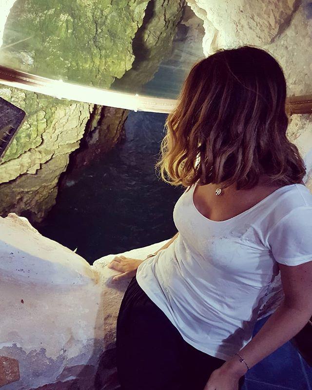 ~ La Grotta da un oblò ~Vi siete persi la Instagram Story dove vi mostravo questo luogo unico al mondo? Nessun problema, lo trovate ancora sul mio profilo come contenuto in evidenza!  Enjoy it. . .#peschici #gargano #puglia #italy #instaitalia … https://ift.tt/2N6taLq  - Ukustom