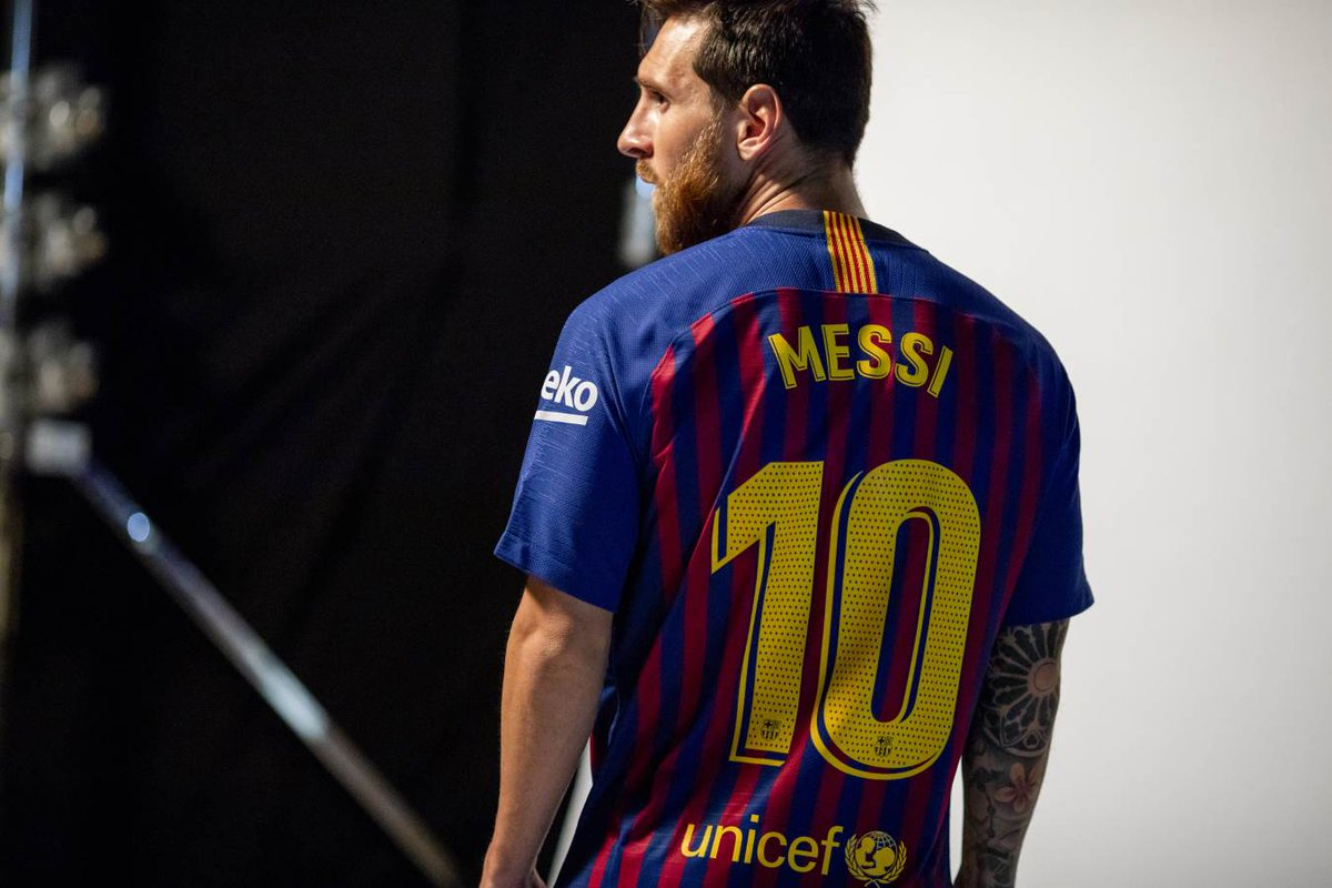 ������  All the images and a video from the official photo shoot �� https://t.co/XR41x3FqBH  ���� #ForçaBarça https://t.co/9Wts1Bz6QK