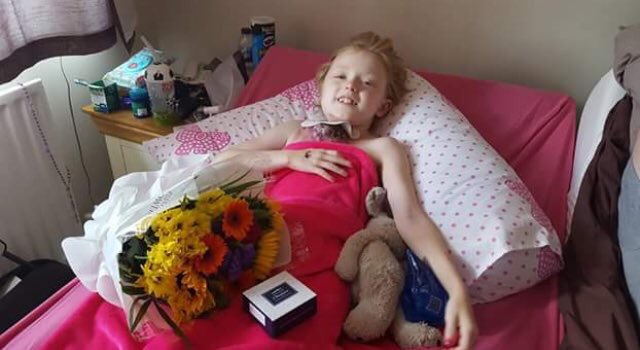Ok come on celeb's this is @RoarForJess she 10 and in her last days. All she wants is a quick hi from you, plz @Storm_Keating @magicfm @ronanofficial @officialkeith @shanelynchlife @GaryBarlow @RealHughJackman @MRMIKEYGRAHAM<br>http://pic.twitter.com/qOoLUw8fcQ