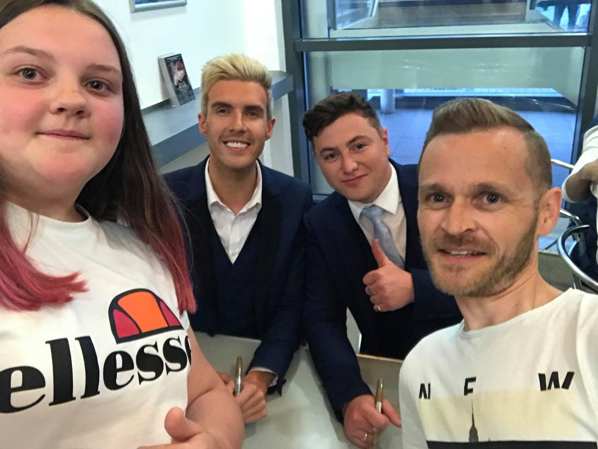 #MyCollabroMoment Surprise meet &amp; greet at Whitley Bay you guys are awesome &amp; love that you all have/make time for your fans  #CreatingMemories Thank You guys  <br>http://pic.twitter.com/KoAyuabTnk