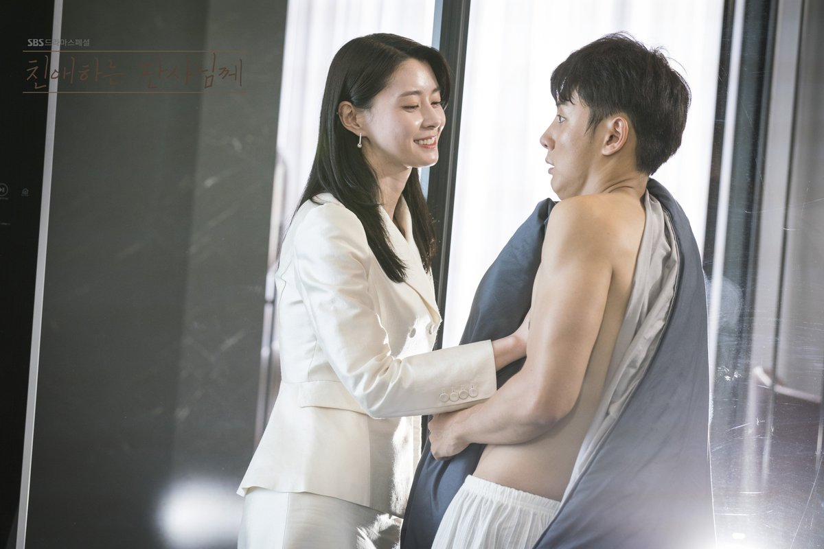 #YoonShiYoon is already showing off some excellent chemistry in #YourHonor on Viki! Catch it now: bit.ly/YourHonorTW kocowa