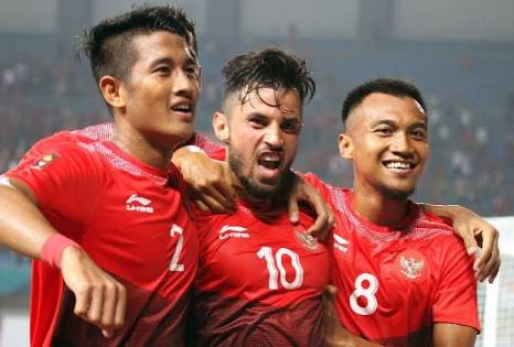 3-1! SIAPA KITA: INDONESIA! Through to the Round of 16 with style. A much improved 2nd half, with Irfan Jaya and Lilipaly combo running Hong Kong ragged. But take lesson from the 1st half. Don&#39;t lose our heads so easily. For now, believe we can get gold. #TimnasU23<br>http://pic.twitter.com/Hd40d0e3nc